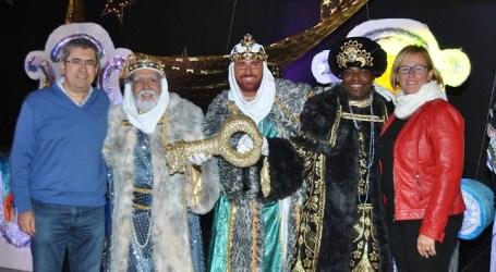 Marco Aurelio Pérez pidió a los Reyes colaborar en el bienestar de los vecinos de Tirajana