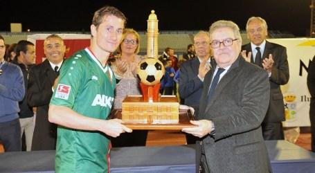 Maspalomas valora la promoción televisiva del 29º Torneo Internacional de Fútbol