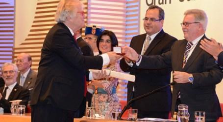 El Cabildo entrega sus Honores y Distinciones de 2014