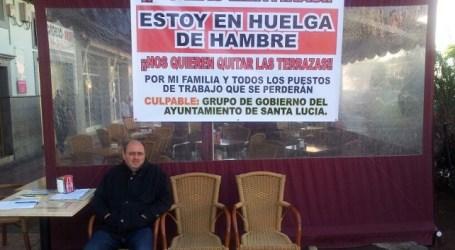 """El empresario en huelga de hambre desmiente que todo sea un """"montaje"""" para no pagar"""