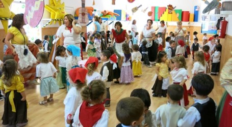Santa Lucía celebra con música, artesanía y tradiciones el Día de Canarias