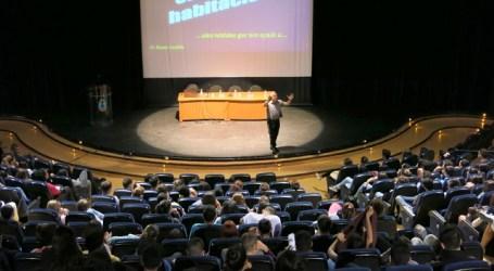 Una charla de Ramos Gordillo completa el estudio sobre el 'culto al cuerpo'