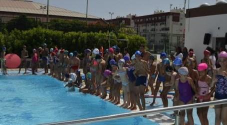 Casi 1000 niños tirajaneros participaron en la campaña veraniega de natación