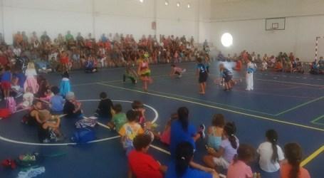 La participación de 320 niños acredita el éxito de la Escuela Deportiva de Mogán
