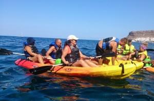 Excursion en canoas, en las costas de Tirajana
