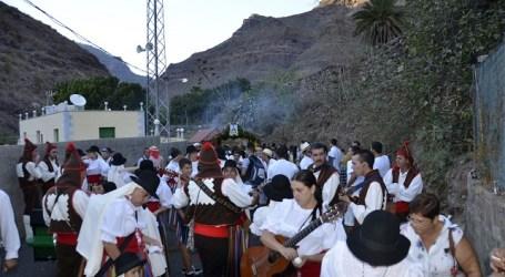 Cercados de Espino abre sus fiestas de Los Dolores con una caminata a Teror