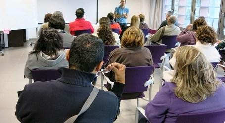 Santa Lucía enseña a elaborar demandas para reclamar a vecinos morosos