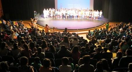 Santa Lucía premia a 34 alumnos de 6º de Primaria por su trayectoria