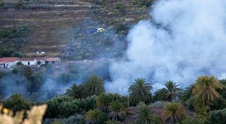 El incendio de Santa Lucía de Tirajana arrasa 21 hectáreas de pasto y matorral