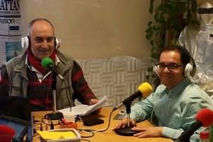 Gustavo Santana (derecha), en Radio Cibelio
