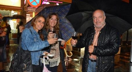Maspalomas disfrutó con éxito su primera Noche de Vinos de Gran Canaria y Tapas