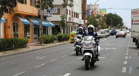 Los escolares del CEIP Tinguaro de Santa Lucía reciben el carné de 'Policía Infantil'