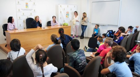Escolares del CEIP El Tablero visitan las dependencias municipales de Maspalomas