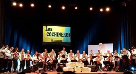 El grupo de Ingenio 'Los Cochineros' vuelve con sed de escenarios y permanencia