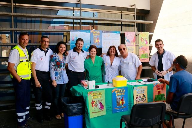 Isabel Santiago (3ªIzq) colabora con el Centro de Salud de Arguineguín