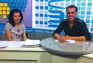 Isabel Santiago y Airam Guedes, trabajador despedido de RTV Mogán