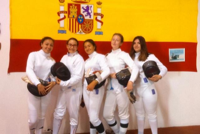 Tiradoras del Club de Esgrima San Bartolomé de Tirajana