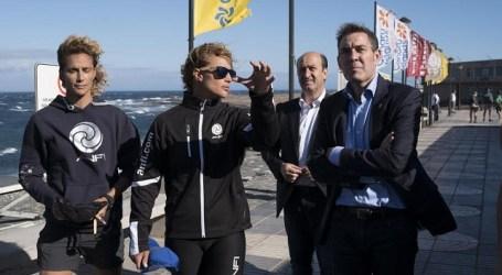 Clavijo acude al Mundial de Windsurf para apoyar a los deportistas canarios