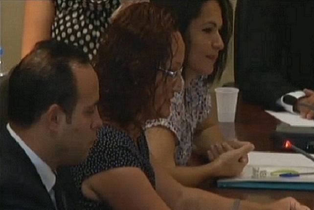 Pino González e Isabel Santiago, en el pleno de investidura