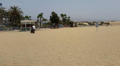 La playa de Maspalomas sigue sin acceso para personas en silla de ruedas