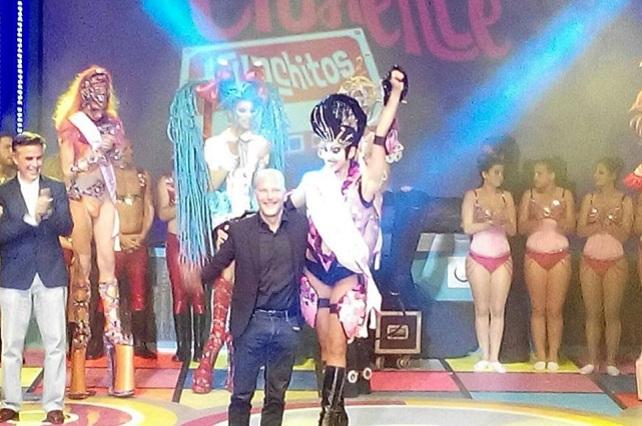 Julio Ojeda, con el Drag Queen ganador del Carnaval 2016