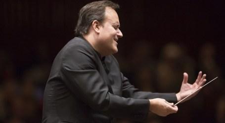 Karel Mark Chichon dirige la Sinfonía nº 5 de Beethoven en su debut al frente de la OFGC