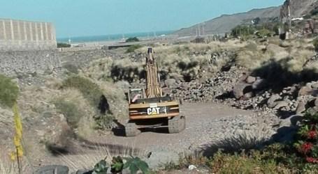 Más de una treintena de vecinos de La Aldea se rebelan contra una extracción de áridos
