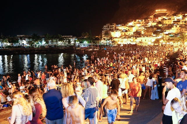 Noche de San Juan, playa de Mogán