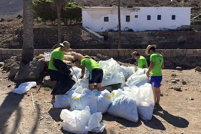 Veneguera, vecinos voluntarios