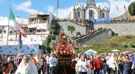 Las fiestas de Santa Lucía arrancan con la lectura del pregón de la maestra Maria del Carmen López