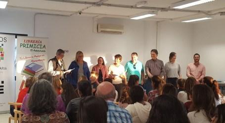 El Ayuntamiento premia a los participantes de los concursos navideños de redacción y dibujo