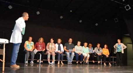 La Cuadrilla de mayores de El Tablero estrena la comedia musical 'Divinas de la muerte'