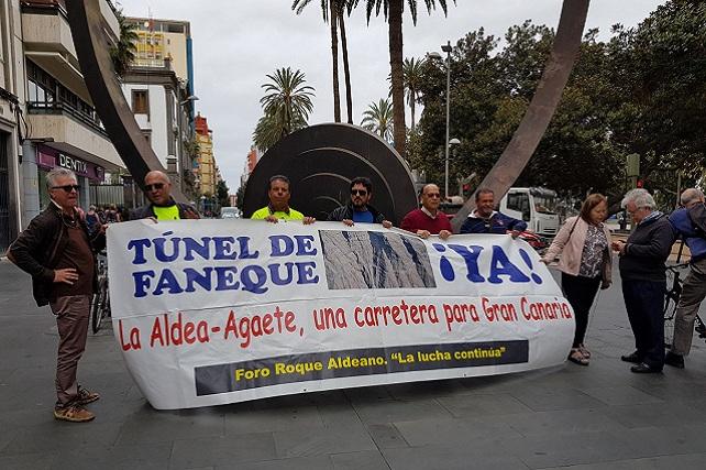 Foro Roque Aldeano en la calle Triana