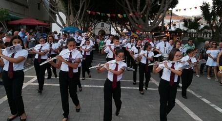 Veneguera culmina sus fiestas con la procesión en honor a la Virgen de Fátima