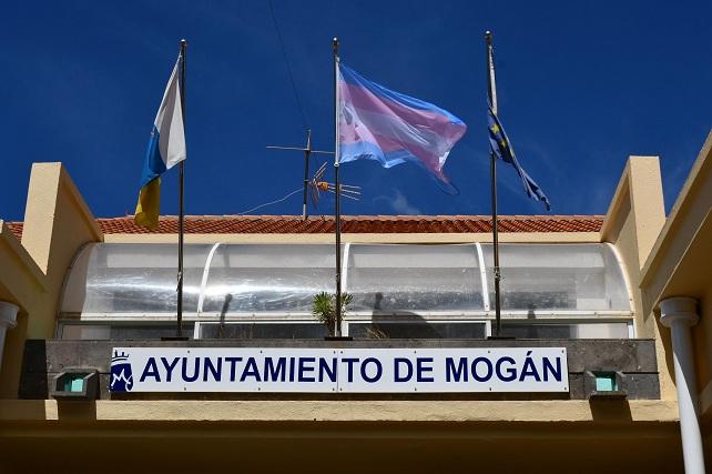 Ayuntamiento de Mogán, bandera Trans