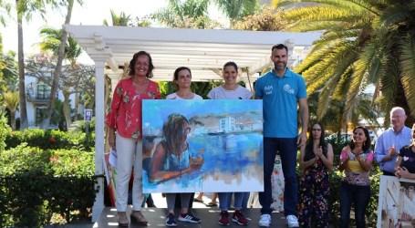 Gema Sánchez, ganadora del IX Certamen de Pintura Rápida de Playa Mogán