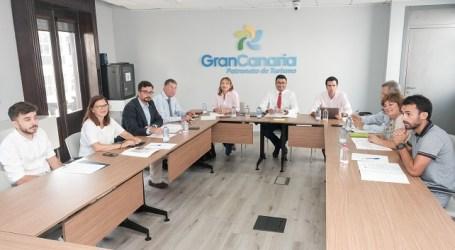 El Cabildo se compromete con los empresarios del sector a reactivar el turismo rural tras los incendios