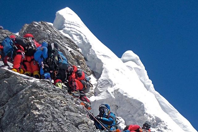Luis León Barreto, escalada multitudinaria Everest