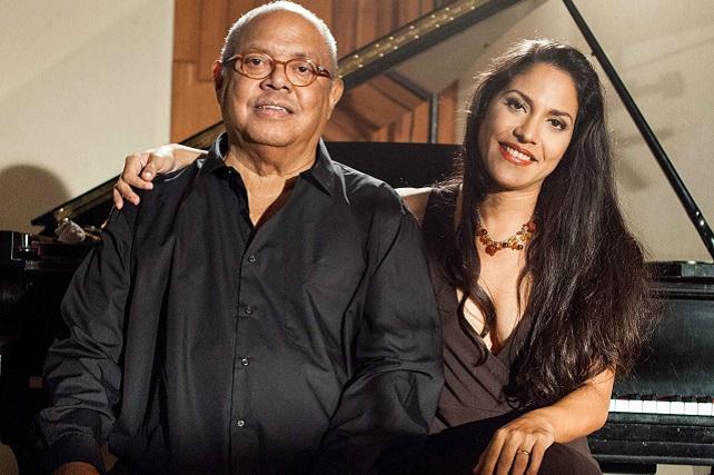 Pablo Milanés y su hija Haydée, en el Teatro Víctor Jara