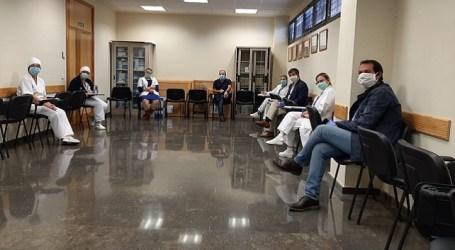 Enfermeras de Santa Lucía participan en una campaña de sensibilización ciudadana organizada por el Ayuntamiento