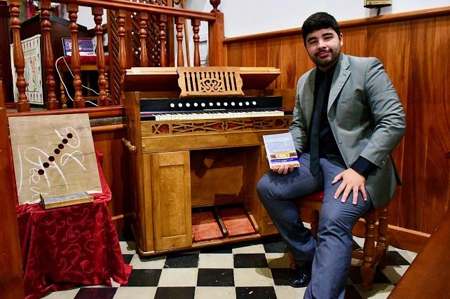 La Iglesia de San Antonio de Padua de Mogán recupera su armonio centenario El instrumento se construyó en Londres en 1913, aunque llegó a la parroquia moganera entre 1933 y 1938 donado por el párroco Francisco Morales