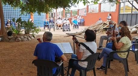 La Asociación Achimencey lleva la música canaria a las personas mayores de las residencias de Santa Lucía