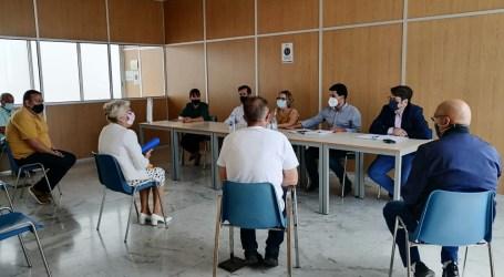 Ayuntamiento y comerciantes analizan la situación del Mercadillo Municipal de Maspalomas