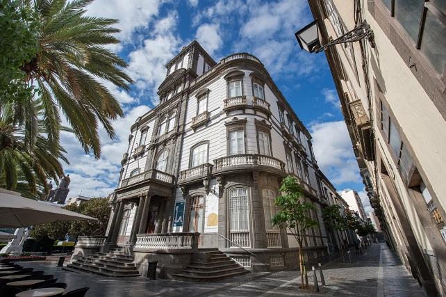 El Cabildo destina 120.000 euros a la adquisición de fondos bibliográficos y documentales para las bibliotecas municipales Cultura acaba de lanzar la convocatoria de subvenciones para la adquisición de libros y documentos destinada a la red de bibliotecas municipales de Gran Canaria