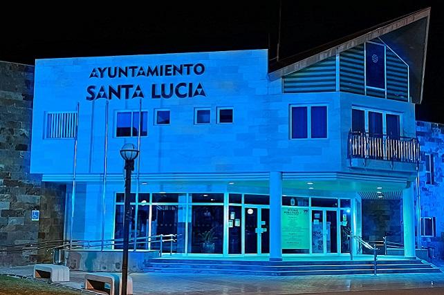 Santa Lucía se sumó al Día Mundial de Concienciación sobre el Autismo  El Ayuntamiento iluminó de azul las oficinas municipales de Vecindario, sumándose solidariamente al acto junto a miles de edificios públicos en todo el mundo