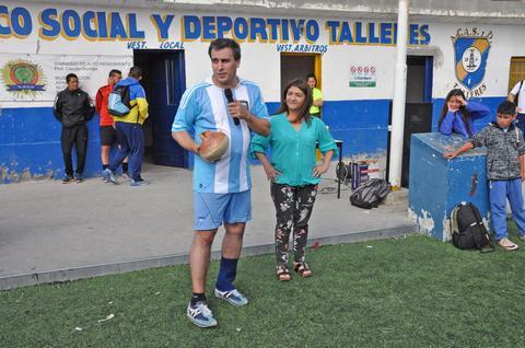 El sábado, el intendente participó en la cancha de Talleres de un encuentro de fútbol Binacional. El encuentro estuvo enmarcado en el certamen Integración entre el equipo local de Amistad y el de Puerto Ibañez de Chile.