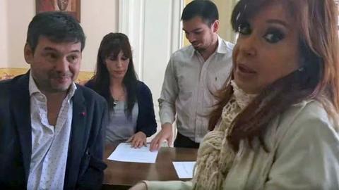 Bersanelli no es un abogado más de Santa Cruz: está casado con Candela García, la cuñada de Máximo.