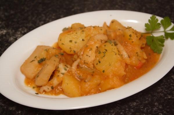 sepia-estofada-con-patatas-en-colorao-7