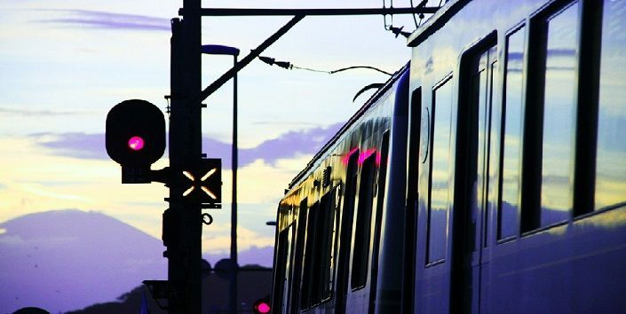 ¿Cómo funciona la señalización ferroviaria moderna?