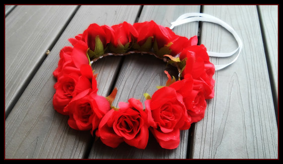 "alt=""rose flower crown"""